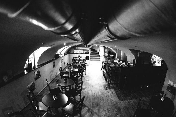 A photo of Pub1989